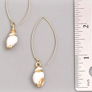 Jewelry - NEW! Seashell Charm Gold Hoop Earrings